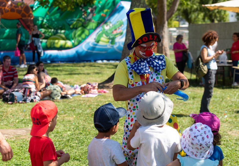 O xurado preselecciona tres propostas para a creación da mascota do Festival Infantil Aventura Na Terra da Amizade